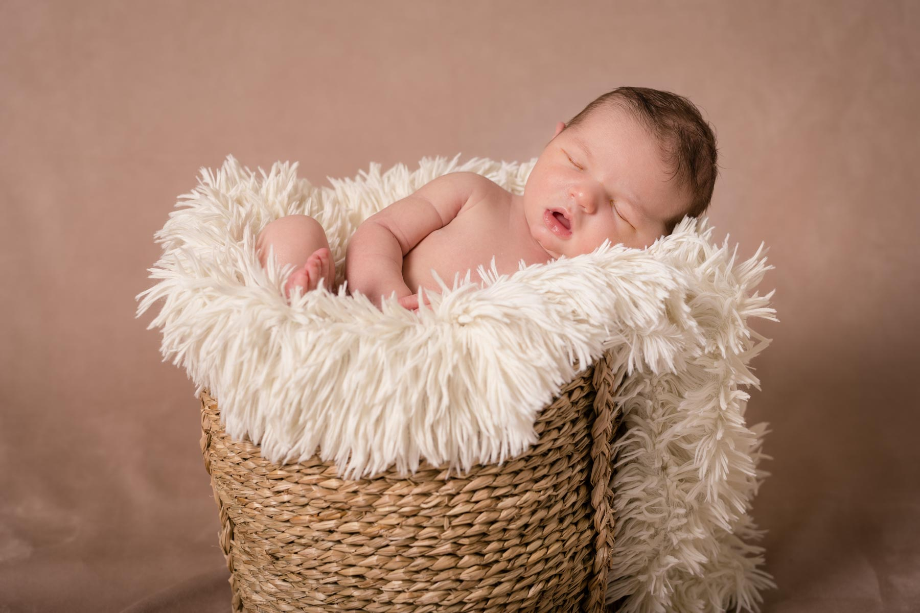 Photos nouveau ne newborn posing Karine A. Photographie 101 - Séances